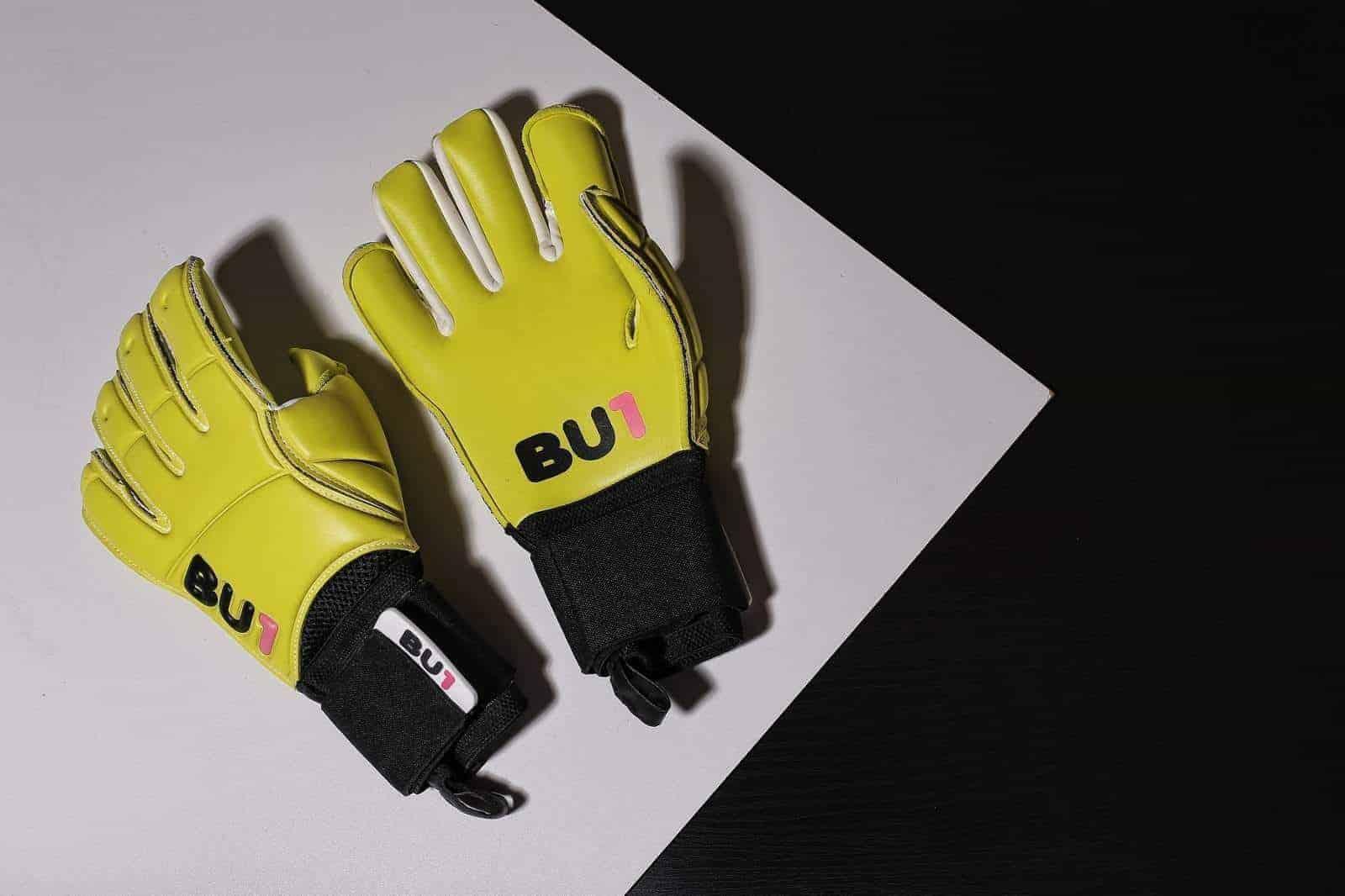 BU1 Lime goalkeeper gloves