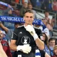 Milos Buchta in BU1 goalkeeper gloves