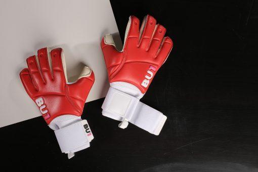 BU1 Red goalkeeper gloves