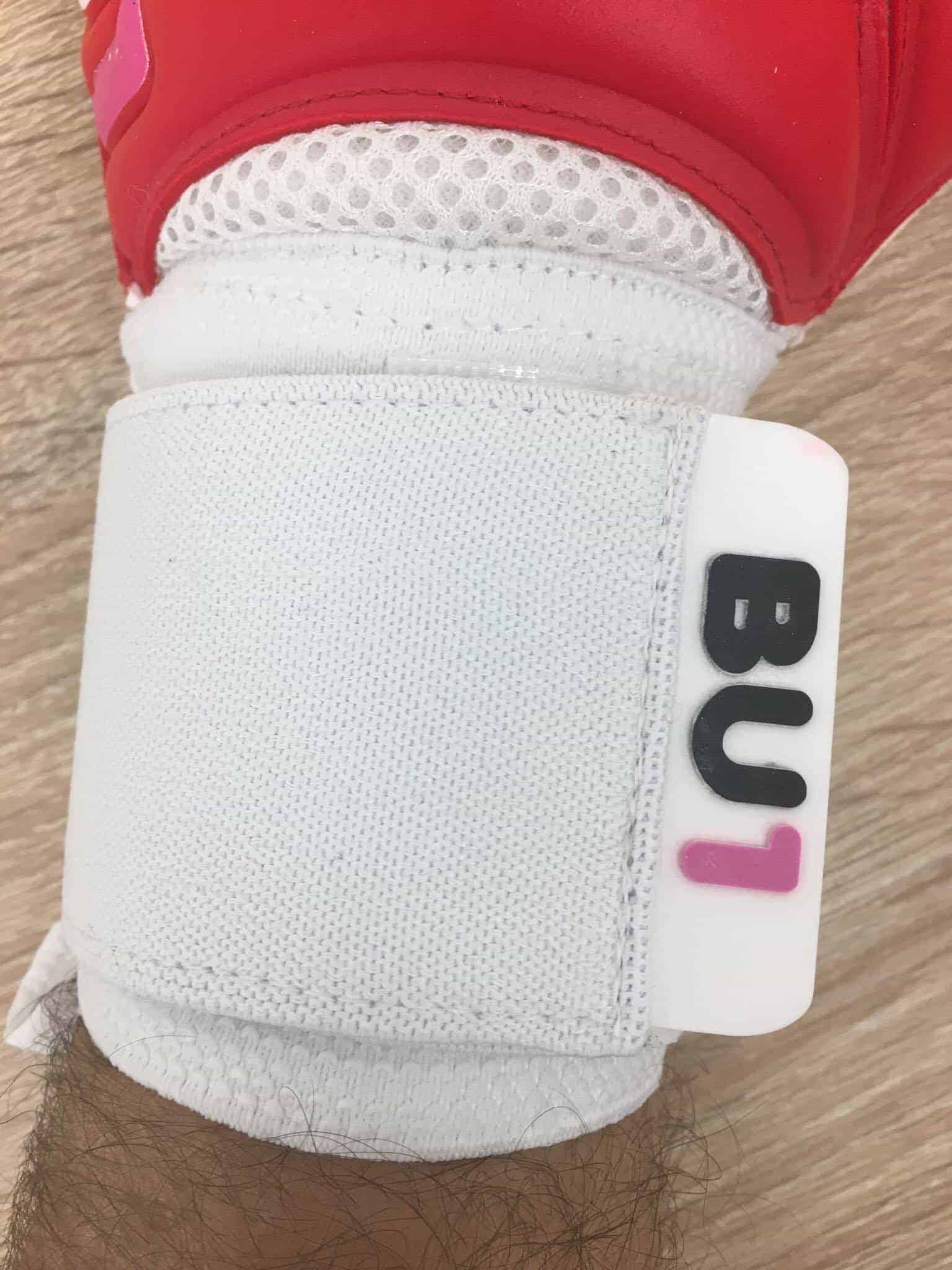 BU1 Red model goalkeeper gloves