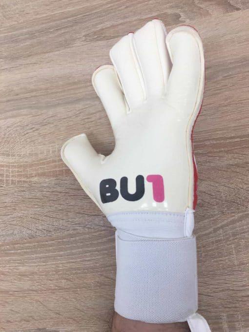 BU1 Red model goalkeeper gloves