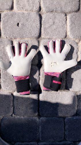 BU1 Signal Pink photo review