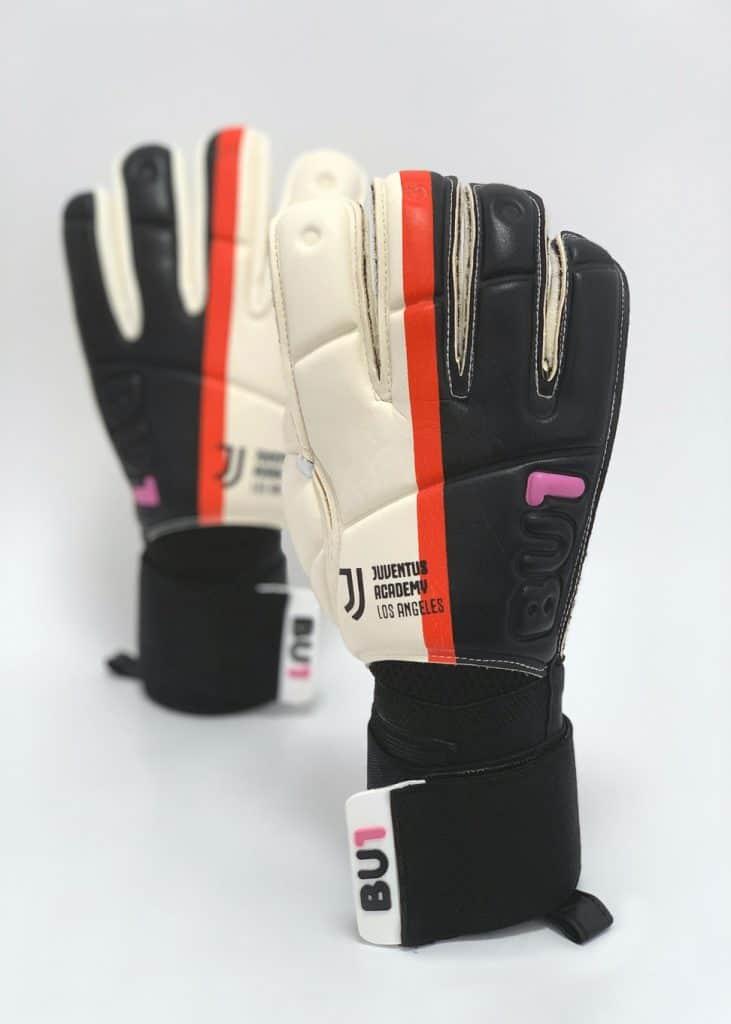 Goalkeeper Gloves For Juventus Academy Los Angeles Bu1 Goalkeeper Gloves